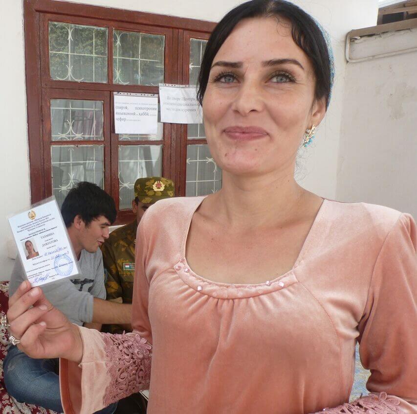 proekt-domashnie-foto-devushek-iz-tadzhikistana-takoy